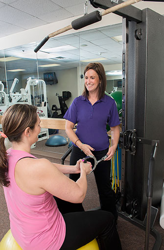 HonorHealth Bariatric Center physiologist with patient